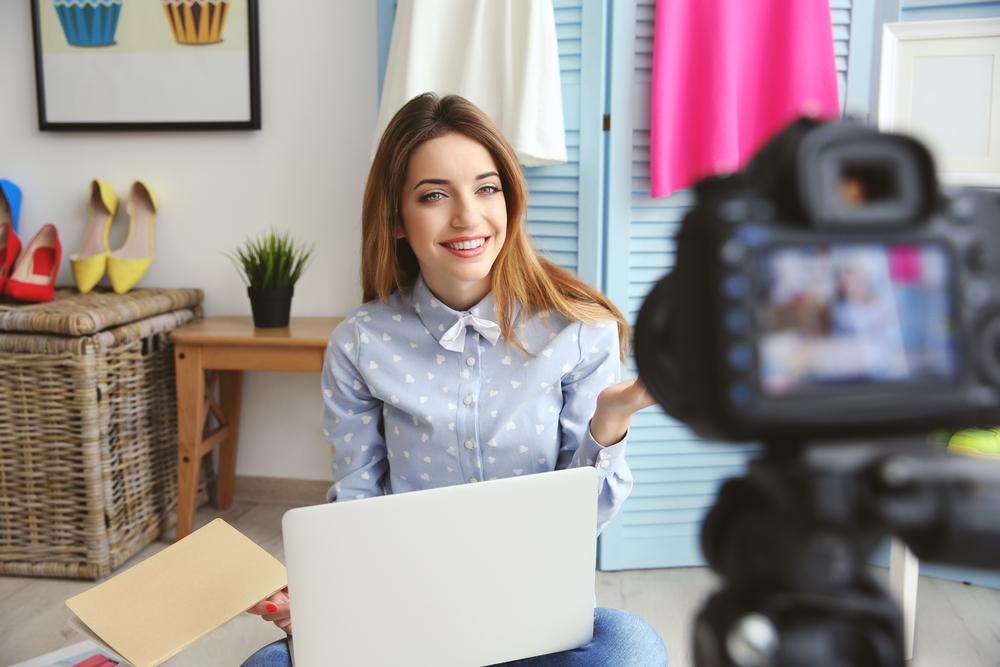 Blogger voor de camera